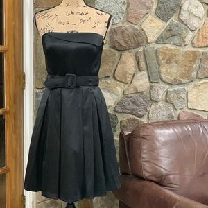 🛍 WHBM belted strapless dress size 6